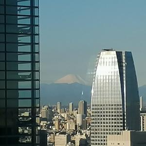 社窓からの富士山