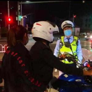 2020年度版「NHK テレビで中国語」と「シートベルト、ヘルメット着用義務」