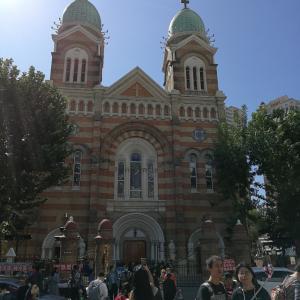 天津の街中の教会「西開天守教会」は若い子の人気スポット