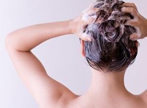 美髪・美肌・たるみ無しっ 頭皮ケアの必要性。美人さんがやってる秘訣はこれっ。