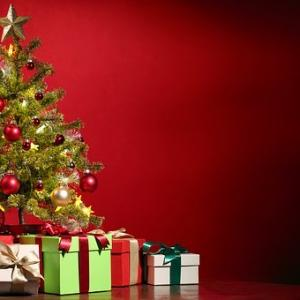 クリスマスに向けて家族へのプレゼントを考える