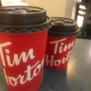 カナダで有名なTimhorton のコーヒー!