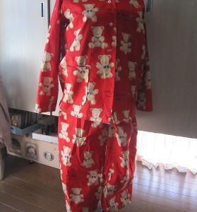 小熊プリントの布を使って 7  子熊プリント赤パジャマ完成