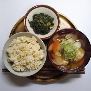 鉄分たっぷりなと体の芯まで温まる一汁一菜の朝ごはん