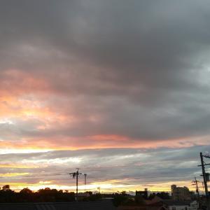 土砂降りの後は、こんな夕日