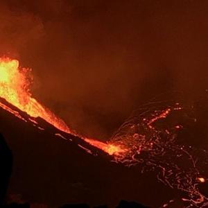 キラウエア火山で新たな噴火を確認(動画あり)