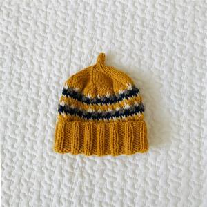 三國万里子さん「編みものともだち」から4色ボーダーのニット帽を9人分も編みました その3