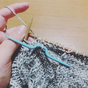 michiyoさん『ベビーと小さな子どものための手編み』からアランカーディガン