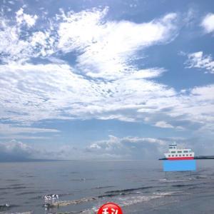 大雨後の海