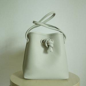 ミニマリストのバッグ。