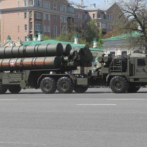 インド、ロシア製防空ミサイルS-400の購入に合意