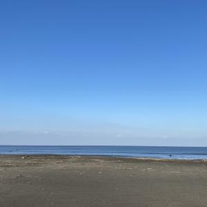 同じ日同じ時刻なのに・・・海岸の向きでこんなに違う波