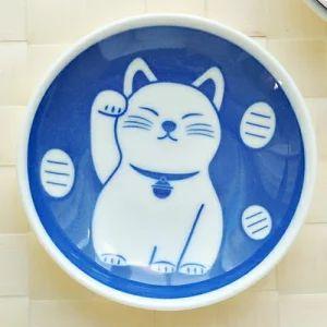 まねき猫の食器(皿、茶椀・湯呑み等)