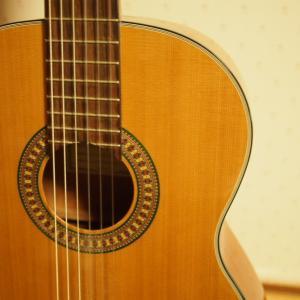 愛用している「MATSUOKA 松岡良治 クラシックギター 630mmスケール MC-70C/630」