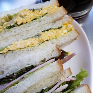 玉子サンドとハムサンド超シンプルで普通‼️のサンドイッチ 江頭製パンの食パンは大好き❤️です