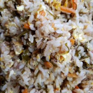 切り昆布の常備菜とシーチキンの美味しいチャーハン
