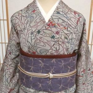 京紅型のシックな小紋×薄紫の総絞り名古屋帯