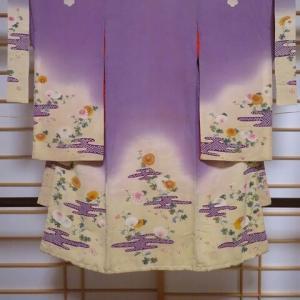 江戸縮緬 子供着物 友禅染めの美しい菊と梅