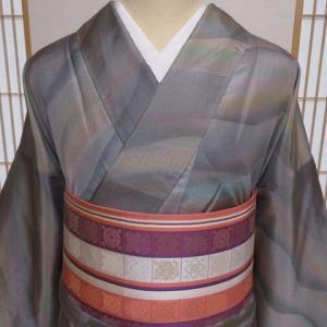 優しい色合いの美しい風のような縞大島紬×薄ピンク笹蔓柄博多織