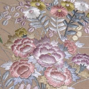 振袖にお勧めの美しい刺繍の半衿
