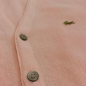 【メンズピンクコーデ】男性もピンクのアイテム(Tシャツ・ボトムス等)を着て爽やかファッションに