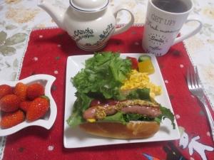 ホットドックで朝ご飯