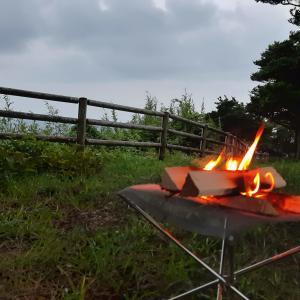 焚き火をするならユニフレームのファイアスタンド2がオススメ!!【キャンツーでもOK】