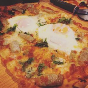 今宵のごはんは手作りピザ