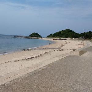 志賀島(勝馬)の海岸を歩きました