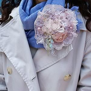 『Rさん:コサージュ作家「花あそび麗」さん』のコサージュファッションでお出かけ