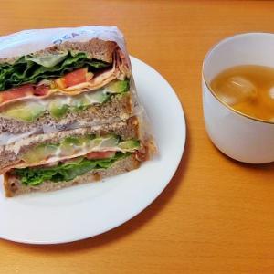 ボリューム満点&美味!ディーンアンドデルーカのサンドイッチ