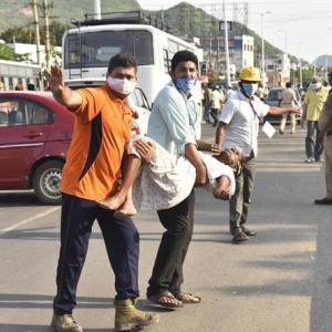 インドの韓国LG工場でガス漏れ