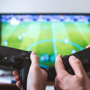 eスポーツのタイトルジャンルを理解してゲームを選ぶ