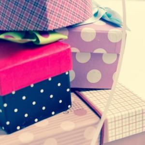 アラサーOL、友人へのプレゼントに悩む…