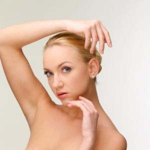 脇が制汗剤でかゆい原因はアレルギーかも?肌を守りニオイも防ぐ方法