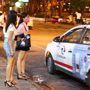 海外旅行中に、ぼったくりタクシーに遭わないために!ベトナムのホーチミンのぼったくり運転手の顔と車内の写真も公開します。