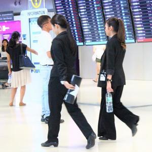 スワンナプームは世界中の乗客が集う巨大な国際空港!長時間の乗り継ぎ待ちはカゼに注意しよう|市内への交通は電車がお得【タイ旅行】