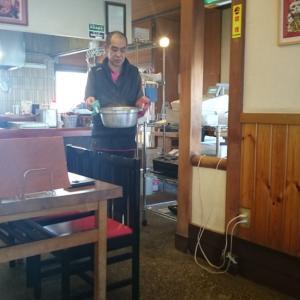 白山インター近く、吉本製麺嵐。超アツアツ!もっちりうどんのカレー鍋6玉