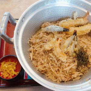 白山市のうどん専門店【吉本製麺嵐】デカ盛り特殊鍋ごはんに挑む