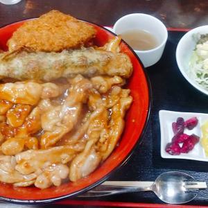 石川県小松市のメガ盛り食堂【男飯ロッキー】キング鶏味噌丼