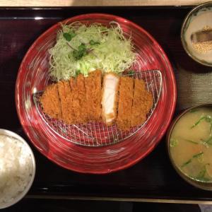 「薩摩黒豚ロースカツセット」(とんかつ薩摩 ヨドバシ博多店)~衣と肉のマリアージュ、とんかつの真髄