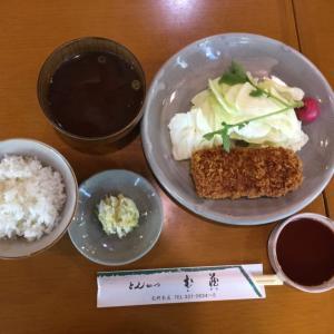 「とんかつ定食」(神戸 三ノ宮「とんかつ む蔵」)
