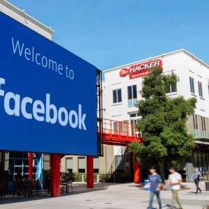 フェイスブックが人民日報などに対し、国家統制下にあるとの表示開始