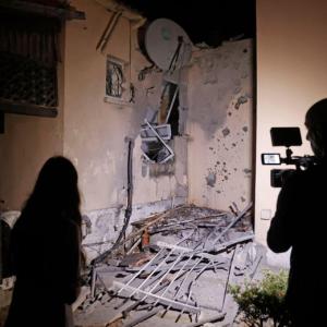 会社からイスラエル寄りの報道を求められる、と米国の記者