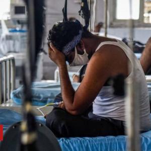 コロナ治療費のクラウドファンディングが、インドで急増