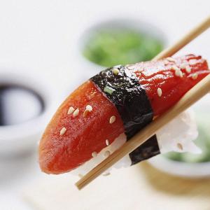 人造シーフードがネタの寿司が登場
