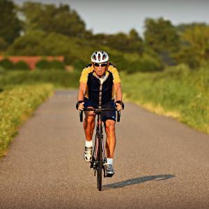 ロードバイクに乗る時のヤバイ服装紹介!! by40代から趣味で始めたロードバイク