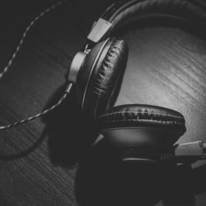 皆さん最近音楽聞いていますか??40代おっさんが聞いている音楽はこれだ!!