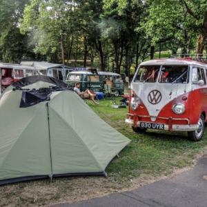 キャンプの帰り道どっと疲れが出る・・・、キャンプ疲れの原因と対策はこれ!!