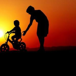 うちの子供は大丈夫なんだろうか・・・、自転車って大人になって乗れないとやっぱりマズいのかな??